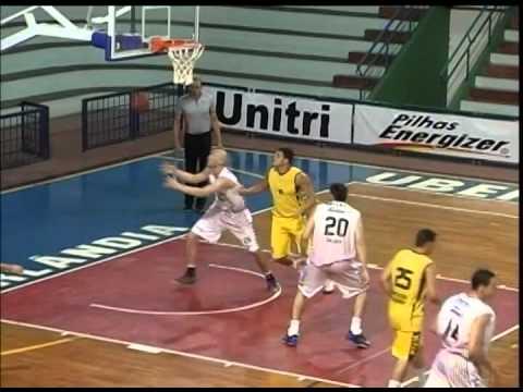 Basquete - Sem o time principal, Unitri vence o Praia por 67 a 48