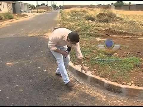 Moradores estão preocupados com asfalto que afunda no Minas Gerais