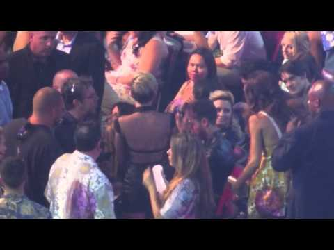 TCA'S 2013! : Miley Cyrus, The Jonas Brothers and Demi Lovato Behind The Scenes