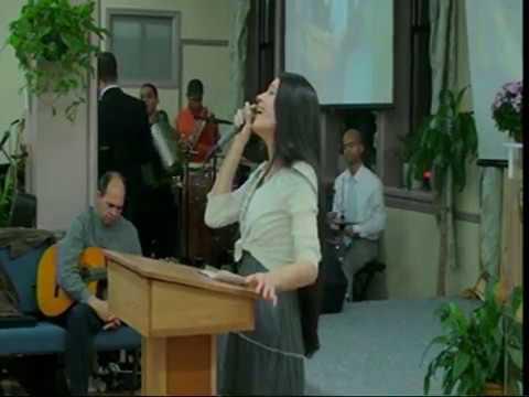 Algo Esta Cayendo Aqui (musica Cristiana) - Marlyn Abreu video