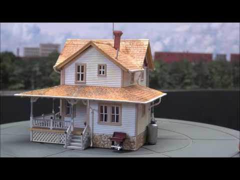 Review: Woodland Scenics HO Scale Corner Porch House Built Up