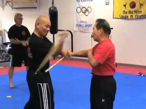 MUST SEE!  Grandmaster of Eskrima, Atillo Balintawak WEAPONS sparring with student Virgil.