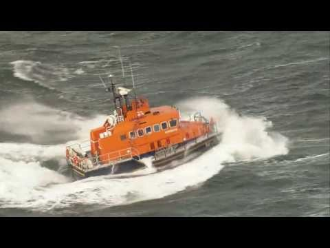 Troon lifeboat ploughs through waves