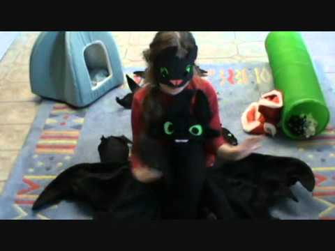 Big Toothless the Dragon toy handmade Cindy Woo rabbit bites.wmv