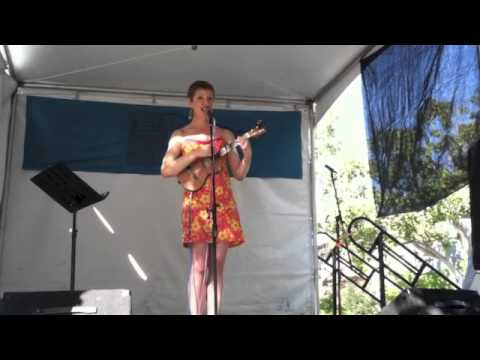Funny, Original Song About Dating (with Ukulele) - He's Just Not That Into You