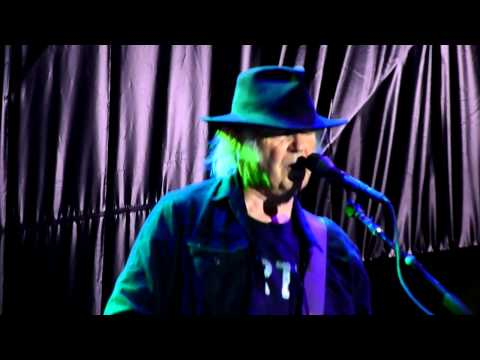 NEIL YOUNG CORTEZ THE KILLER LIVE BAROLO 21 07 2014