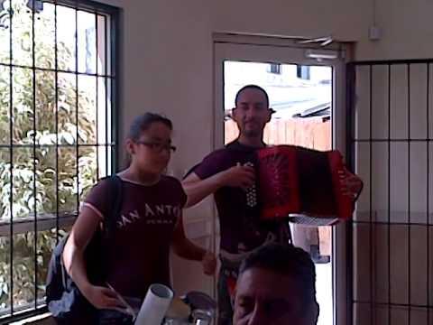 Desde Rio Bravo Tamaulipas dueto Pollo Colombiano