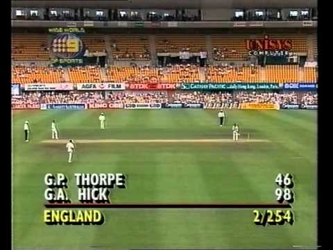 GRAEME HICK controversial 98* - 3rd test 1994/95 Ashes