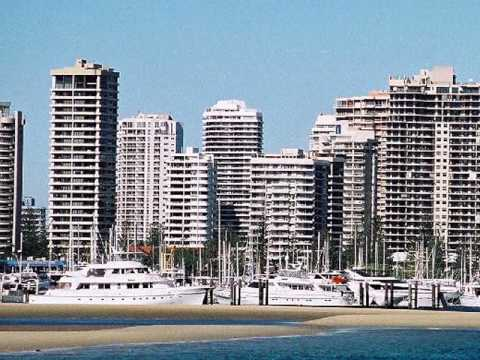 GOLD COAST, SURFER'S PARADISE,  SEAWORLD, MOVIE WORLD, QUEENSLAND AUSTRALIA