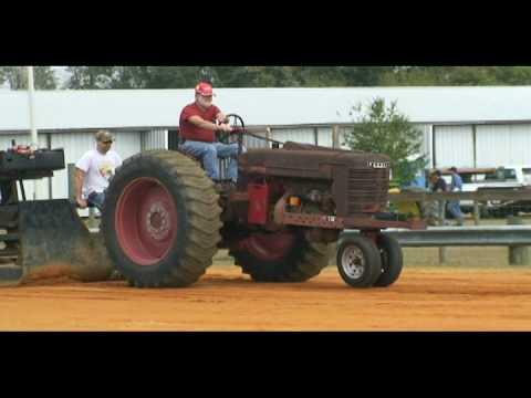 Farmall M tractor Pull Video