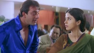 Sanjay Dutt chooses dress for Urmila Matondkar - Khoobsurat