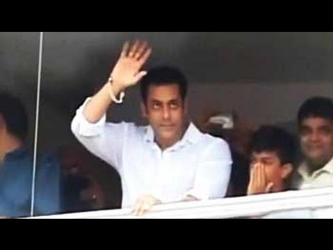 Salman Khan Celebrates Eid In Style video