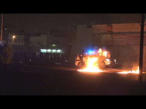 Bahrain: Violent clashes between protesters and riot police in Sitra Island