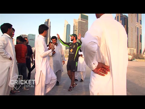 Maxwell gives UAE locals a thrill