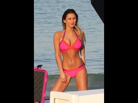 Sam Faiers shows off her abs during swimwear shoot in Dubai