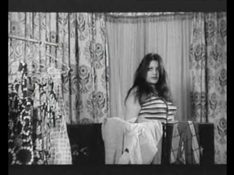 صحنه سكسي از شهناز تهراني و همايون در فيلم جاني تپل thumbnail