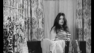 صحنه سكسي از شهناز تهراني و همايون در فيلم جاني تپل
