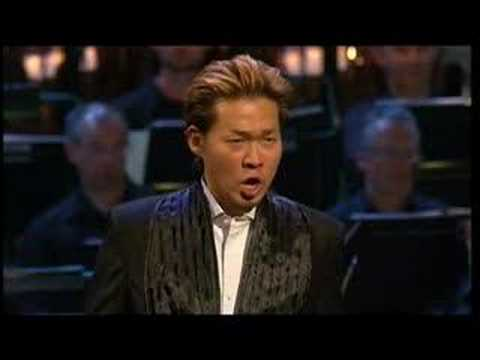 "David DQ Lee, countertenor sings: ""Va tacito""  Giulio Cesare"