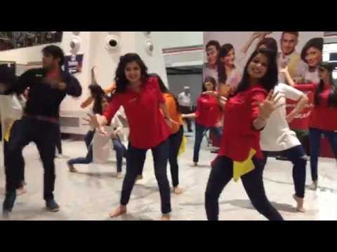 SpiceJet's Holi Flash Mob! Delhi Airport, March 5 2015