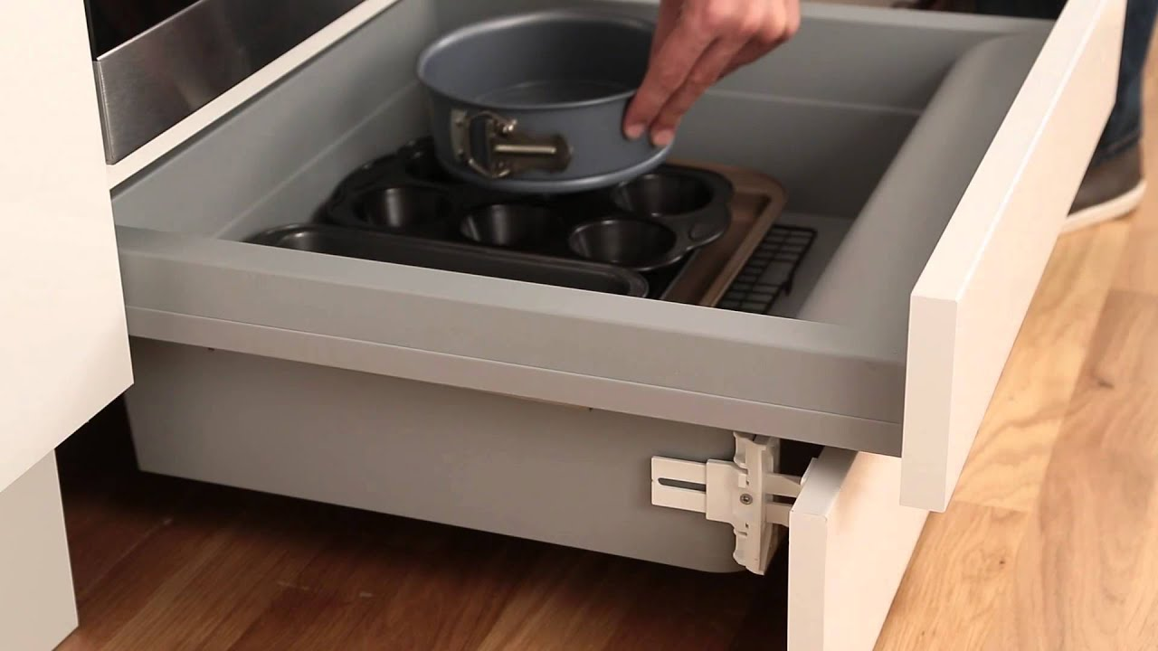Built under oven housing storage drawer from howdens for Fitted kitchen drawer unit