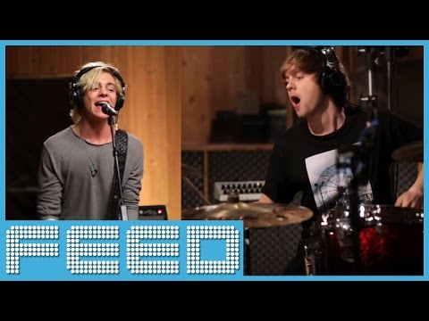 R5 Performs 'Heart Made Up On You' ACOUSTIC