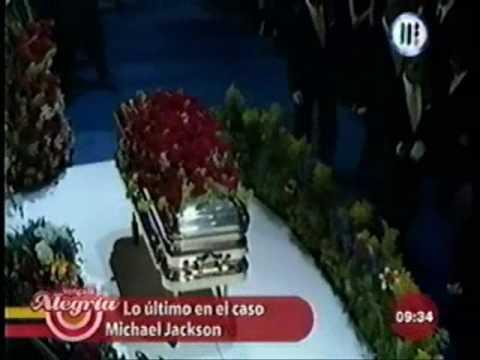 Michael Jackson - Entierro el 3 de septiembre (Con peluca, maquillado y su ataud de oro)