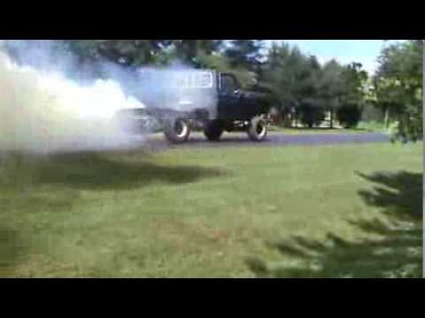 1978 Ford F150 4x4 with 351M smoke burnout burn out