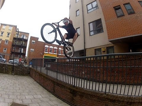 Paul Turner - Start Of Summer - Onza Limey - Bike Trials