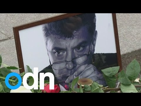 Ukrainians mourn slain Putin critic Nemtsov