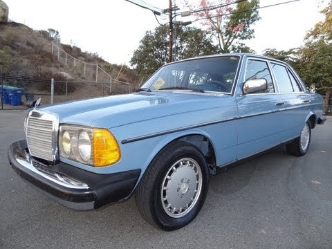 Diesel Mercedes Benz W123 300D 300 D 240 Non Turbo 240D Youngtimer Test Drive & Walkaround