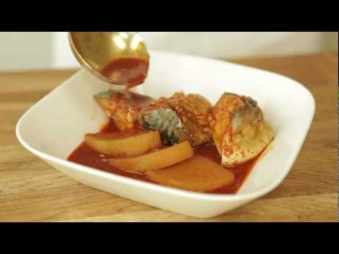 _Godeungeo Jorim_Braised mackerel with radish