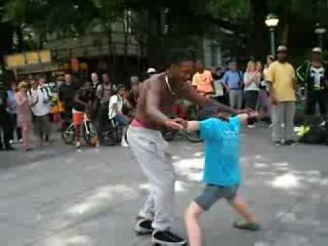 Зажигательный брейк-данс.Нью-Йорк.Street break dance.