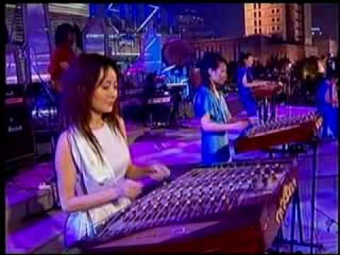 12 Girls Band - Shining Energy (Live From Shanghai)