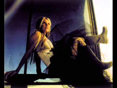 Jennifer Paige - Make Me