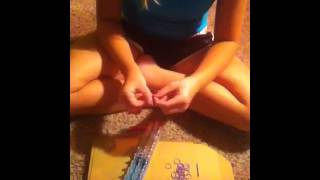 How to make Infinity Sign on Rainbow Loom (Easy)