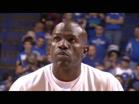 Tony Delk showed that he still has great vision and distributed the ball in an otherwise rag tag game at the 2012 Kentucky Alumni Basketball Game at Rupp Arena.