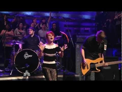 Brick By Boring Brick - Paramore ( live HD )