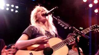 Watch Ilse Delange Something Amazing video