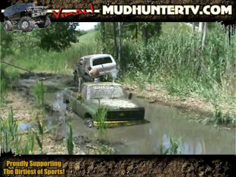 Mud Hunter TV - Mud Bogging 4x4 Rizzo's Bog 2009 Video