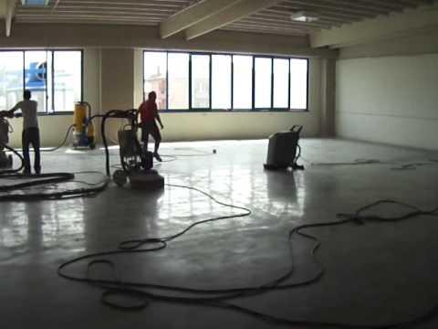 Pavimento in cemento lisciato al quarzo