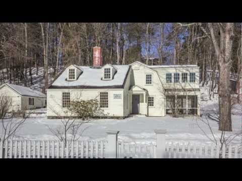 Grapevine Cottage - Concord MA - for sale by Gregory Burch, Tel 978-505-2979
