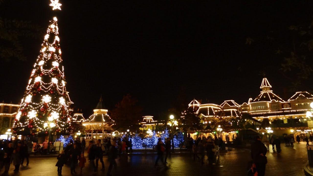Make A Christmas Tree Out Of Lights