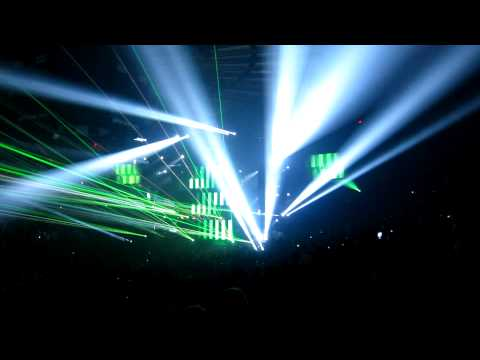 17+ Minutes Nonstop of Swedish House Mafia at Madison Square Garden - One Last Tour 2013