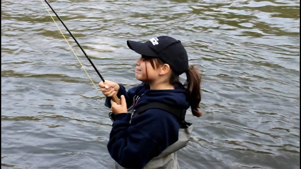 Utah fly fishing mollie drills a big provo brown on utah for Provo river fishing report