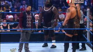 Big Show deixa David Otunga desmaiado no ringue!