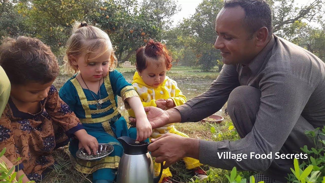Peshawari Qehwa Recipe | Peshawari Kehwa | Green Tea by Mubashir Saddique | Village Food Secrets