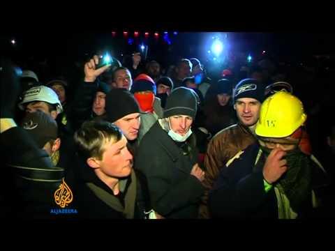 Fresh protests in Kiev turn violent