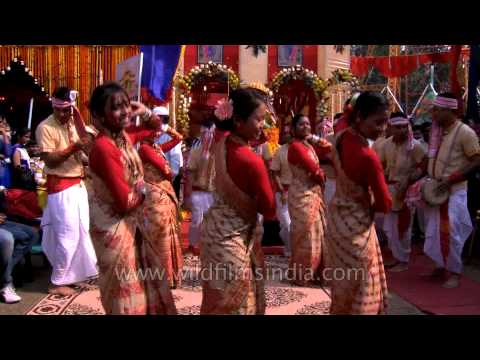 Bihu Dance By Assamese Dance Group During Bsf Mela video