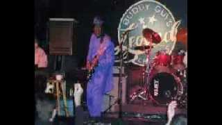 Buddy Guy Featuring Tracy Chapman Ain 39 T No Sunshine