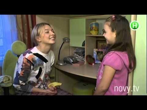 Вася Фролова убирает в комнате своей фанатки. Шоумания, 19.12.2014